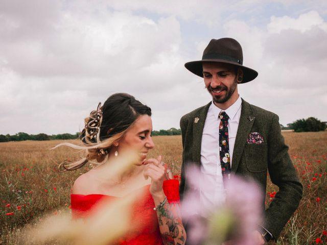 Le mariage de Lhéo et Sarah à Saint-Gilles, Gard 59