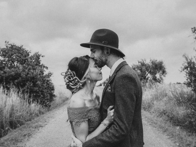 Le mariage de Lhéo et Sarah à Saint-Gilles, Gard 75