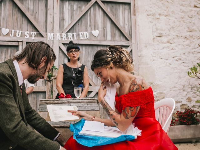 Le mariage de Lhéo et Sarah à Saint-Gilles, Gard 99