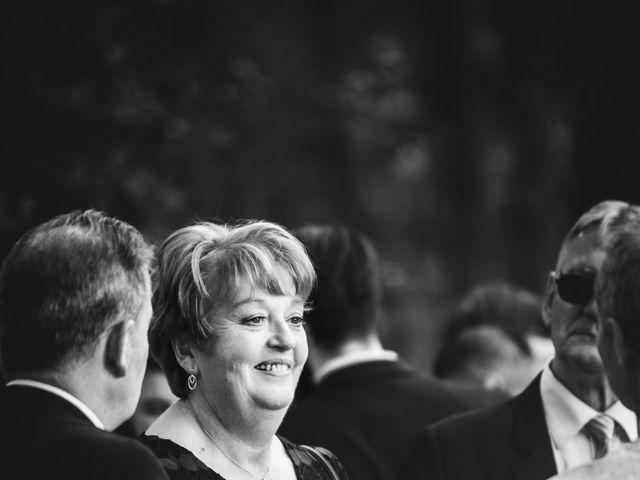 Le mariage de Antoine et Céline à Pont-de-l'Arche, Eure 33