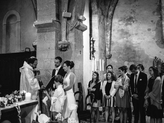 Le mariage de Jonnathan et Mathilde à Génelard, Saône et Loire 25