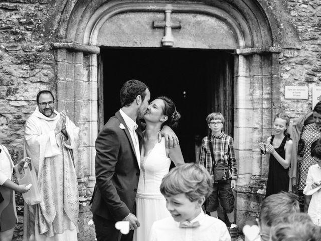 Le mariage de Jonnathan et Mathilde à Génelard, Saône et Loire 36