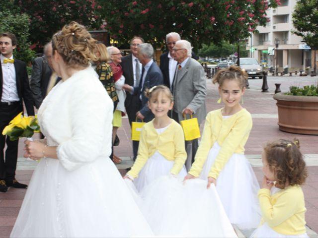 Le mariage de Virginie et Jeremy à Poissy, Yvelines 32