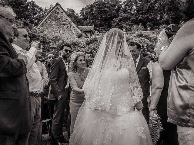 Le mariage de Alex et Jessica à Vallery, Yonne 22