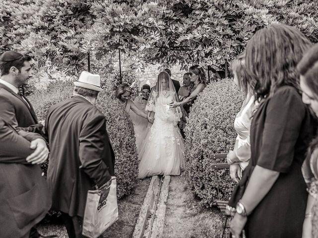 Le mariage de Alex et Jessica à Vallery, Yonne 24