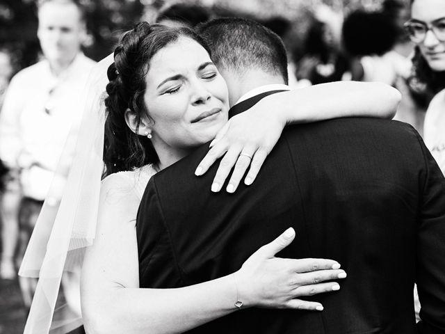 Le mariage de Kevin et Julie à Carrières-sur-Seine, Yvelines 33