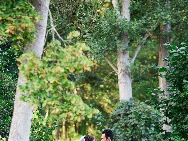 Le mariage de Kevin et Julie à Carrières-sur-Seine, Yvelines 44