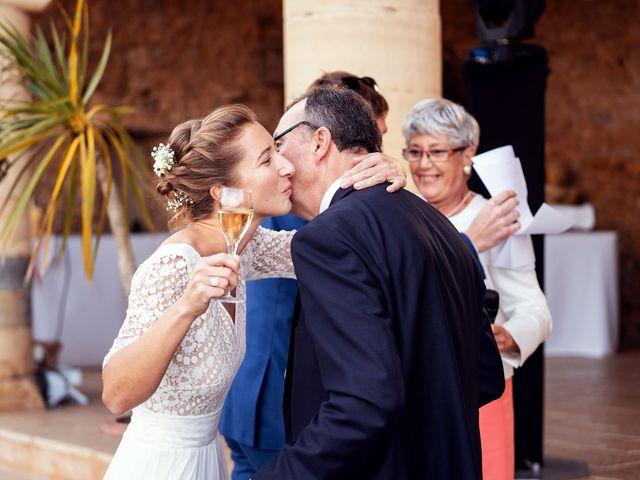 Le mariage de Thomas et Julie à Trévières, Calvados 17