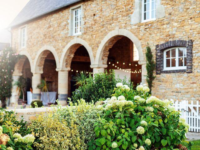 Le mariage de Thomas et Julie à Trévières, Calvados 24