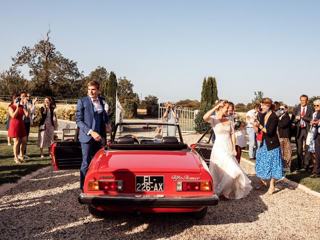 Le mariage de Thomas et Julie à Trévières, Calvados 29