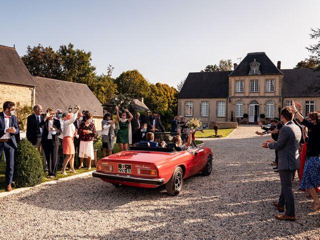 Le mariage de Thomas et Julie à Trévières, Calvados 30