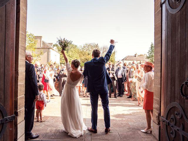 Le mariage de Thomas et Julie à Trévières, Calvados 39