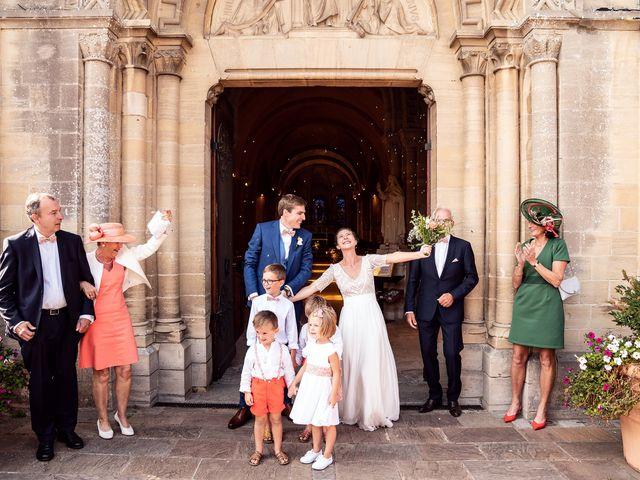 Le mariage de Thomas et Julie à Trévières, Calvados 41