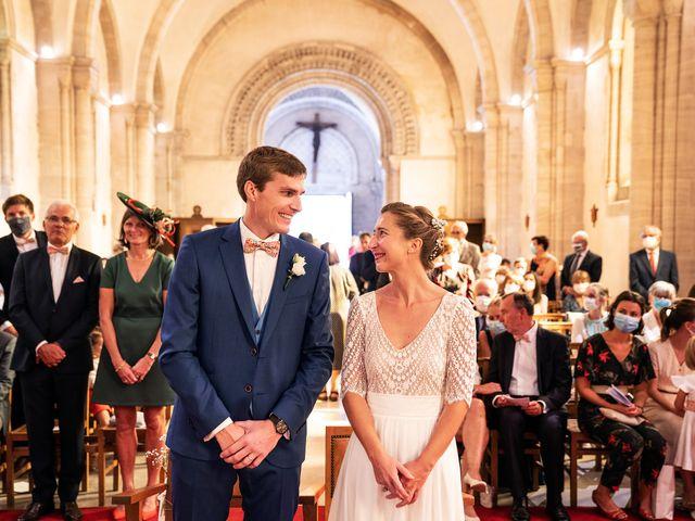 Le mariage de Thomas et Julie à Trévières, Calvados 46