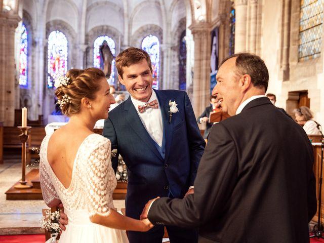 Le mariage de Thomas et Julie à Trévières, Calvados 51