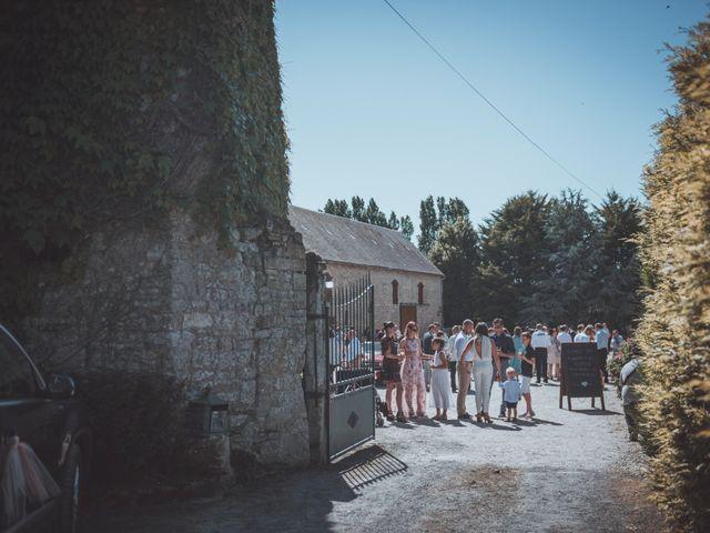 Le mariage de Sylvain et Camille à Tour-en-Bessin, Calvados 44