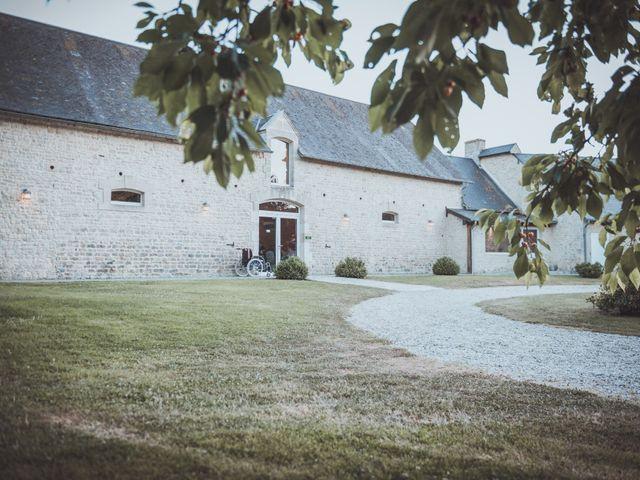 Le mariage de Sylvain et Camille à Tour-en-Bessin, Calvados 58