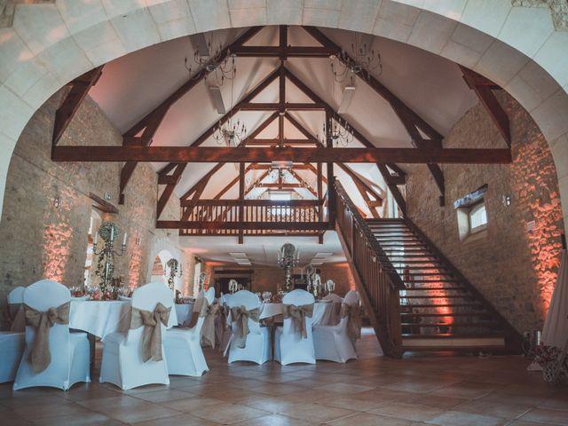 Le mariage de Sylvain et Camille à Tour-en-Bessin, Calvados 59
