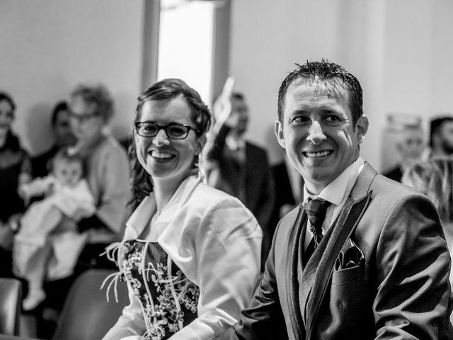 Le mariage de Christophe et Tiphaine à Saint-Genest-d'Ambière, Vienne 27