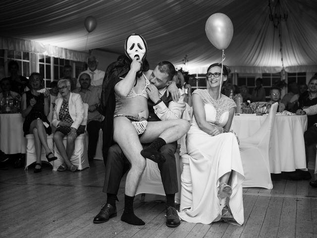Le mariage de Arnaud et Catherine à Witternesse, Pas-de-Calais 56