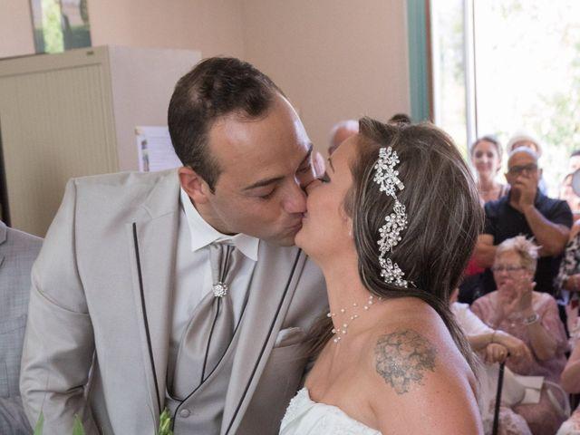 Le mariage de François et Laetitia à Mouton, Charente 18