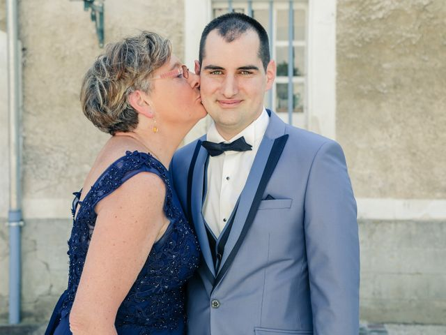 Le mariage de Alexandre et Lauriane à Brueil-en-Vexin, Yvelines 56