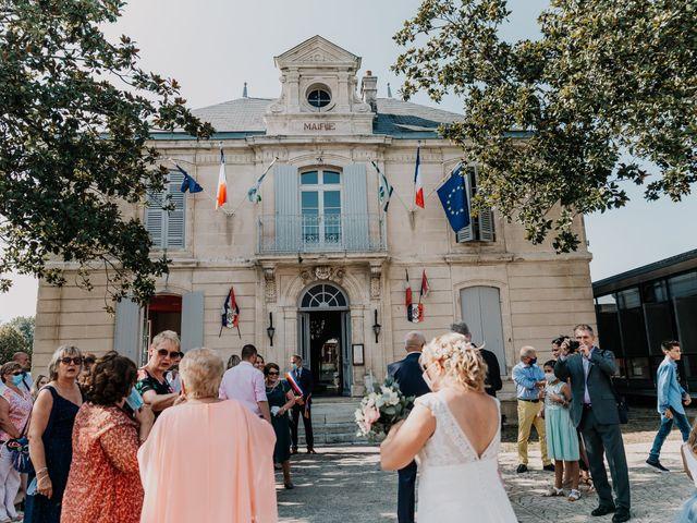 Le mariage de Fernand et Florence à Port-d'Envaux, Charente Maritime 4