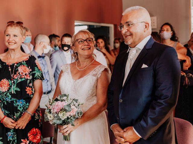 Le mariage de Fernand et Florence à Port-d'Envaux, Charente Maritime 5