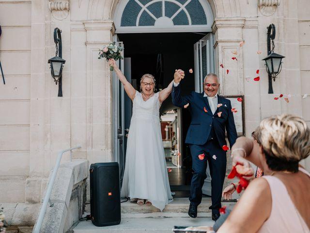 Le mariage de Fernand et Florence à Port-d'Envaux, Charente Maritime 7