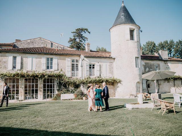 Le mariage de Fernand et Florence à Port-d'Envaux, Charente Maritime 8