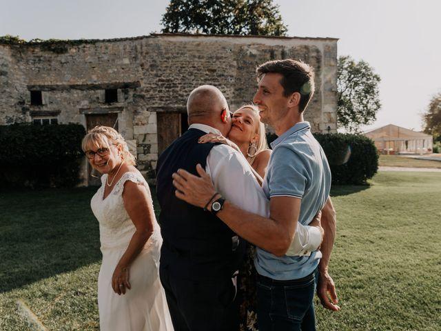 Le mariage de Fernand et Florence à Port-d'Envaux, Charente Maritime 14