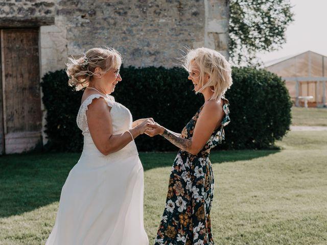 Le mariage de Fernand et Florence à Port-d'Envaux, Charente Maritime 15