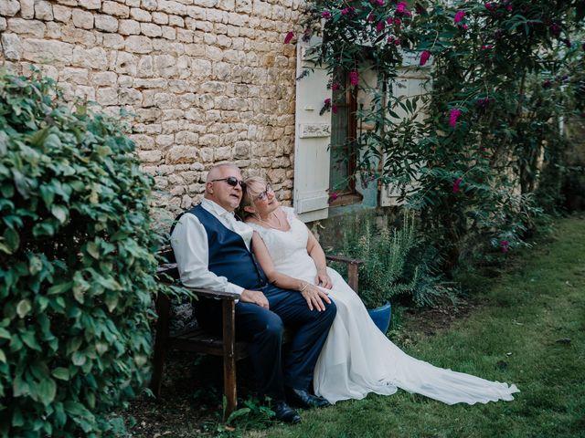 Le mariage de Fernand et Florence à Port-d'Envaux, Charente Maritime 25