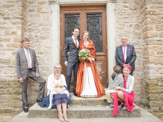 Le mariage de Gaëtan et Amandine à Chavanoz, Isère 19