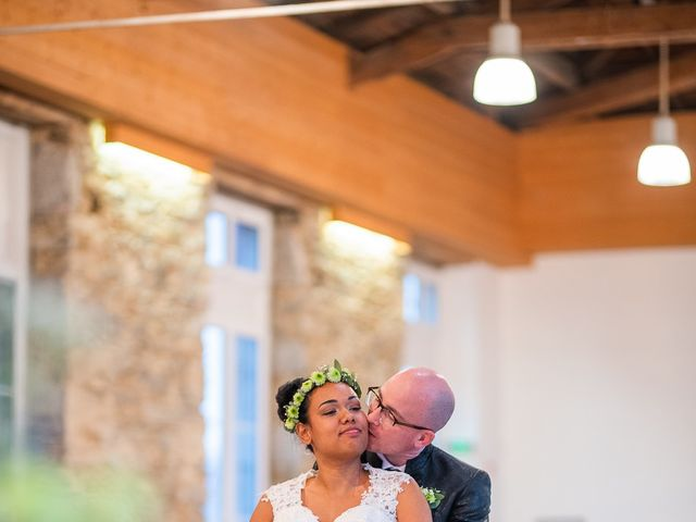 Le mariage de Vincent et Fateata à Coutances, Manche 7