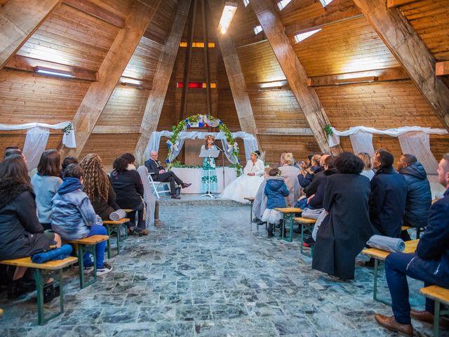 Le mariage de Vincent et Fateata à Coutances, Manche 14