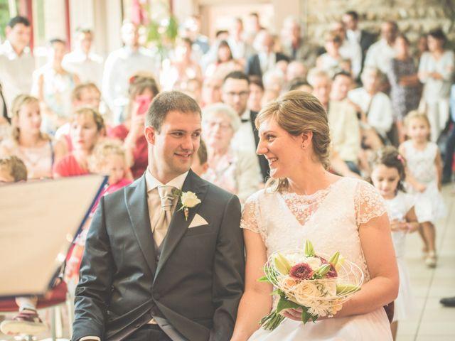 Le mariage de Thomas et Elodie à Saint-Prim, Isère 8