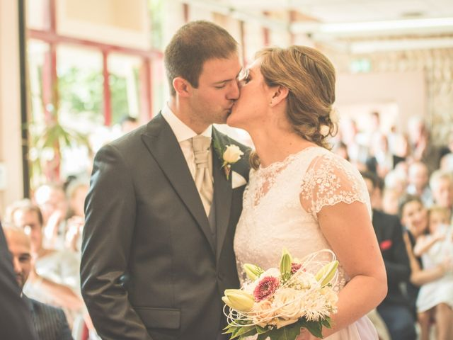 Le mariage de Thomas et Elodie à Saint-Prim, Isère 13