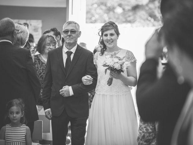 Le mariage de Thomas et Elodie à Saint-Prim, Isère 14