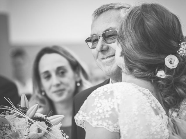 Le mariage de Thomas et Elodie à Saint-Prim, Isère 15