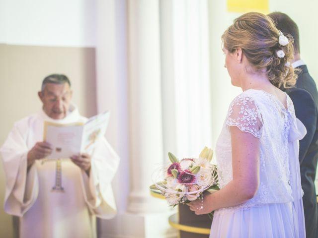 Le mariage de Thomas et Elodie à Saint-Prim, Isère 16