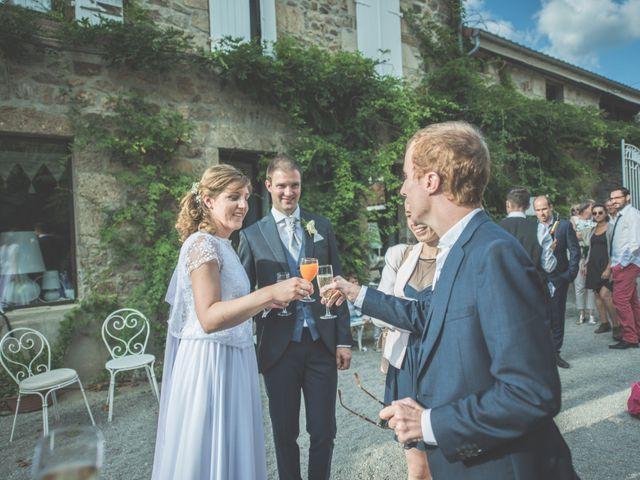 Le mariage de Thomas et Elodie à Saint-Prim, Isère 43