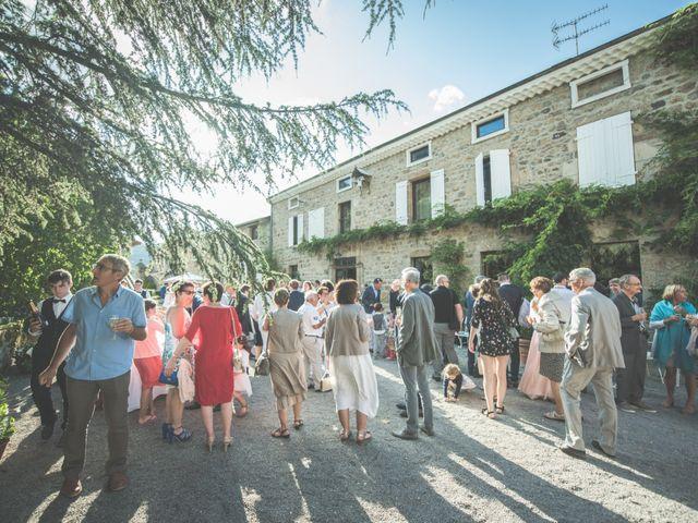 Le mariage de Thomas et Elodie à Saint-Prim, Isère 44