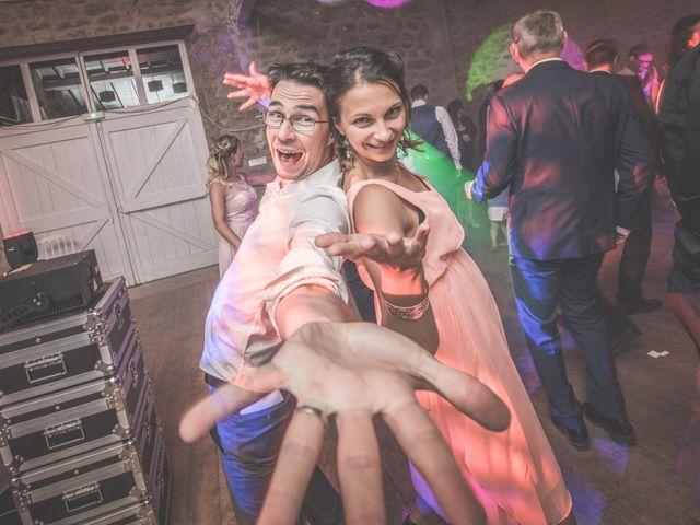 Le mariage de Thomas et Elodie à Saint-Prim, Isère 56