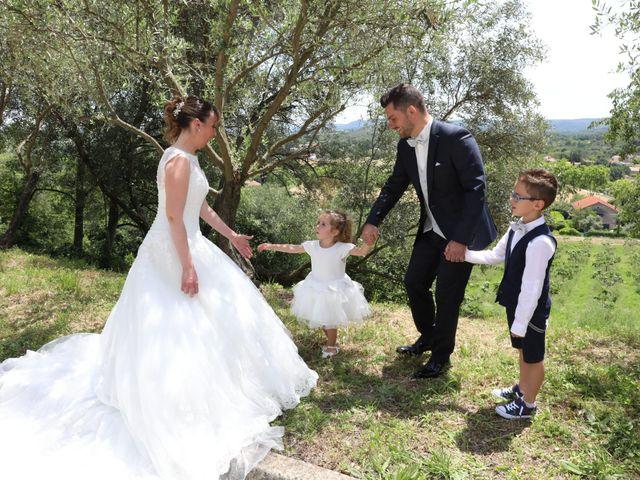 Le mariage de Christophe et Aurelie à Vézénobres, Gard 2