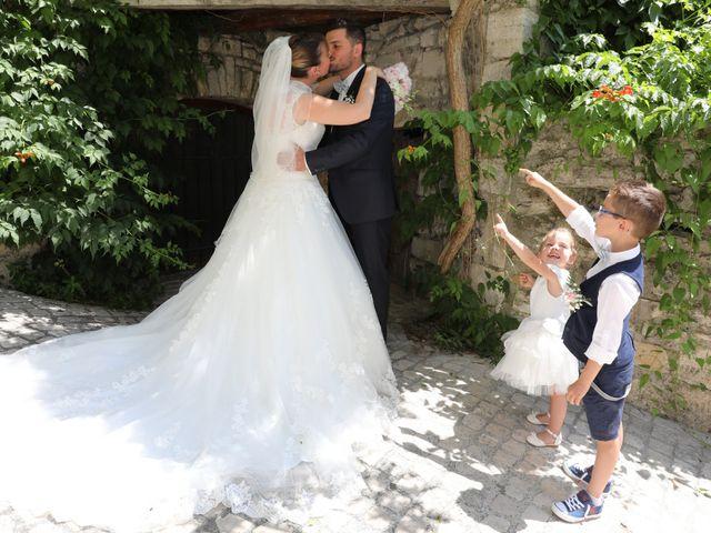 Le mariage de Christophe et Aurelie à Vézénobres, Gard 7