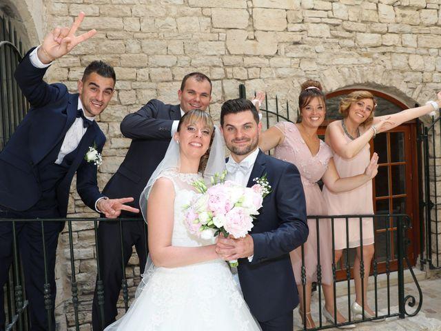 Le mariage de Christophe et Aurelie à Vézénobres, Gard 8