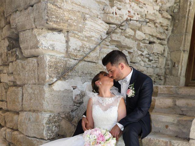 Le mariage de Christophe et Aurelie à Vézénobres, Gard 1