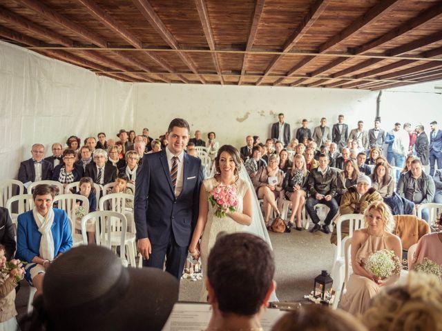 Le mariage de Julien et Wessalie à Saint-Martin-la-Plaine, Loire 24