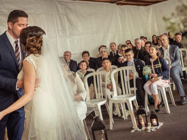 Le mariage de Julien et Wessalie à Saint-Martin-la-Plaine, Loire 28